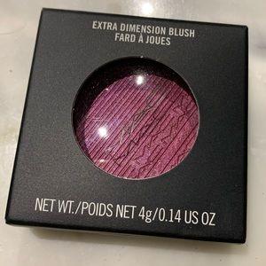 NIB Authentic MAC Extra Dimension Blush